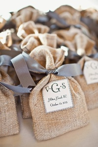 favors rustic