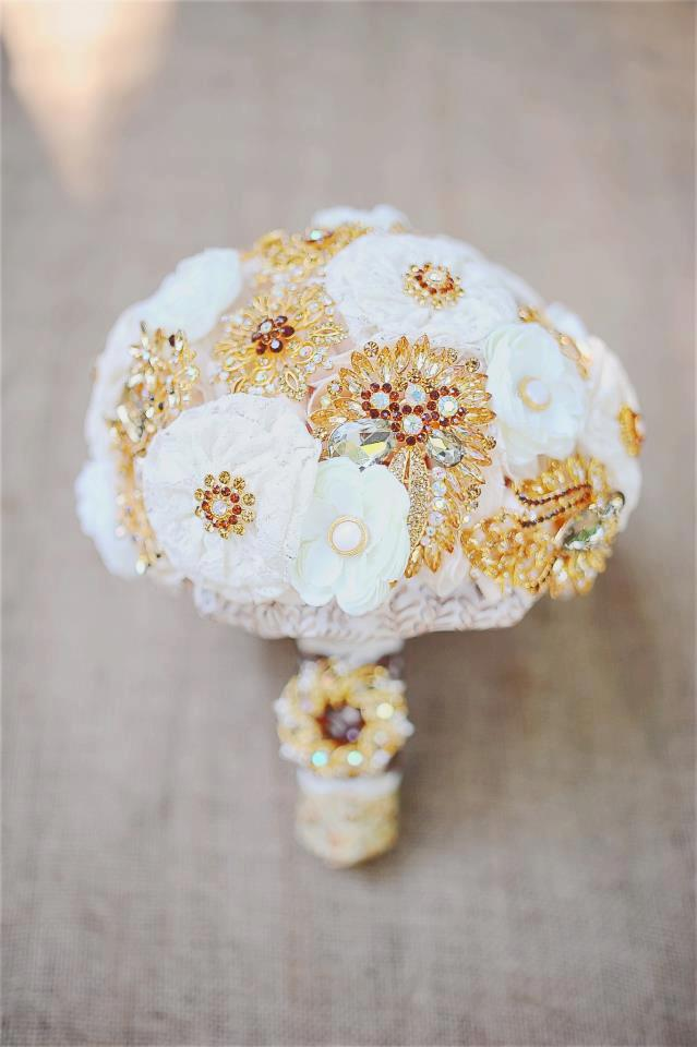 Customized brooch silk lace bouquet