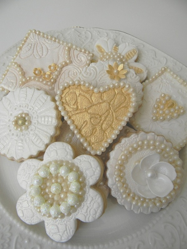 Lace and Pearls Wedding 1