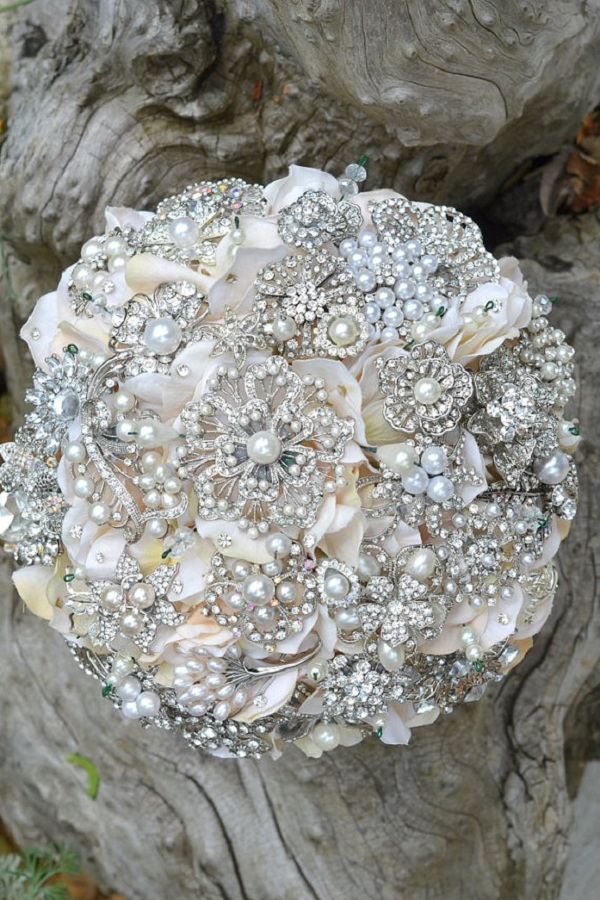 Lace and Pearls Wedding 4
