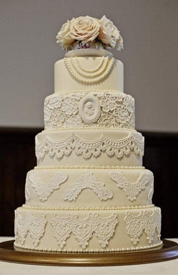 Lace and Pearls Wedding 5