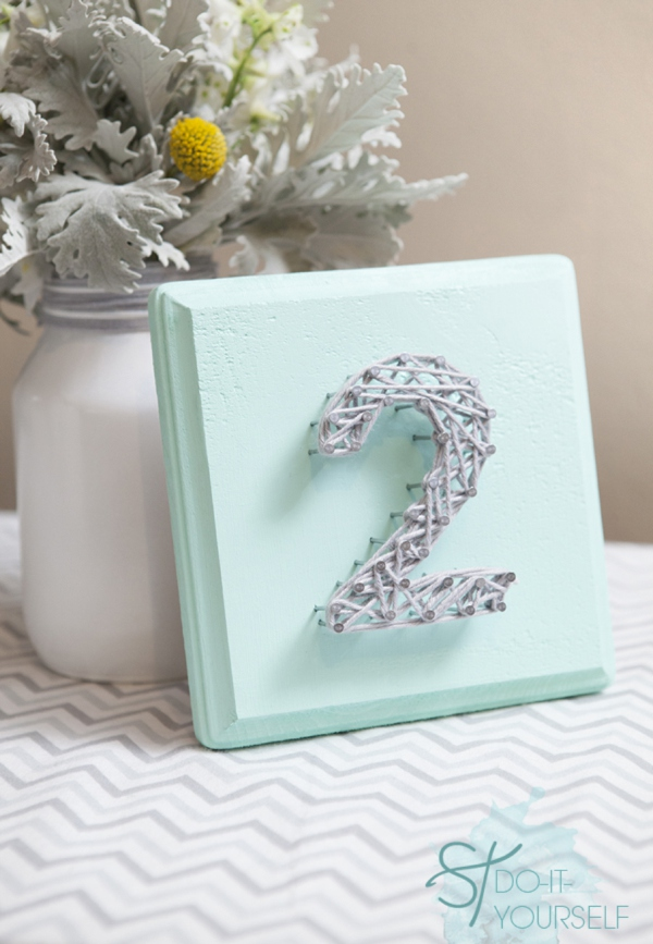 DIY_nail_yarn_decor_table_numbers