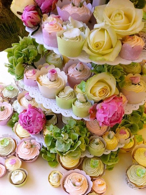 10 Cupcake Cake